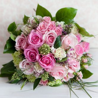 Букет невесты из розовых роз