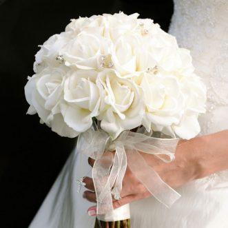 Букет невесты из белых роз «Твоя любовь»